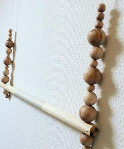 Handgemaakte houtenhanger
